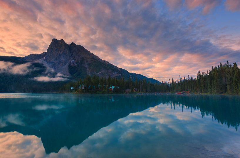 Sunrise at Emerald Lake, Canada van Henk Meijer Photography