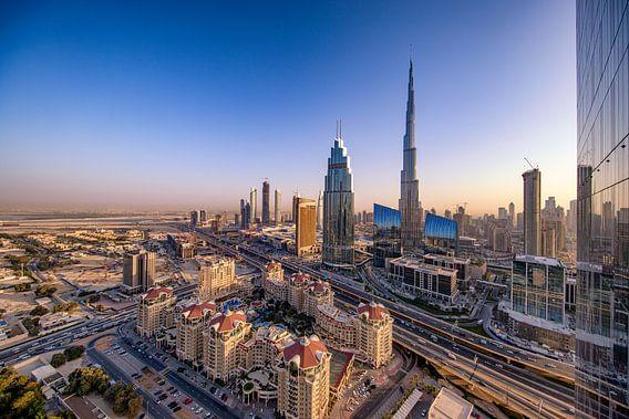 Burj Khalifa in de avondzon van Rene Siebring