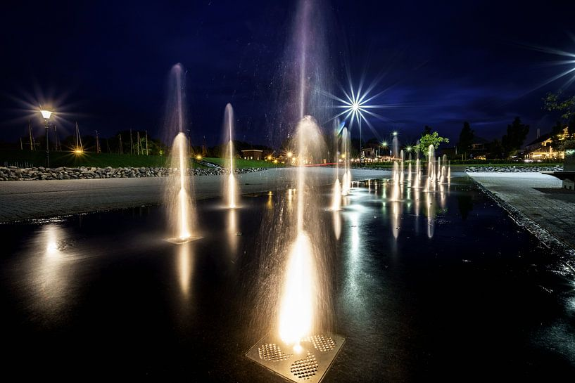 Stadsfontein tijdens blauwe uur van Fotografiecor .nl