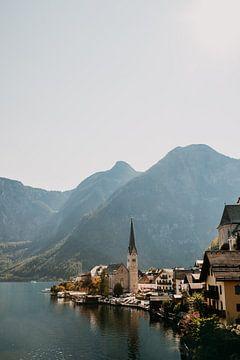 Hallstatt het prachtige dorpje in de bergen van Oostenrijk (Alpen) van Yvette Baur