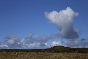 Wolken en duinen von Cora Unk