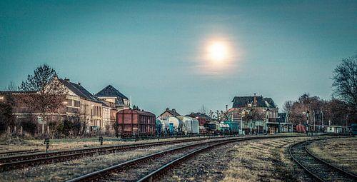 Treinstation Simpelveld bij volle maan
