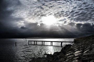 Durgerdam, Ijsselmeer bij zwaar weer. van
