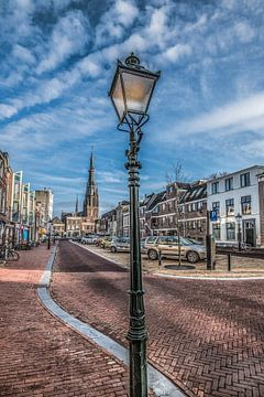 Nieuweburen in Leeuwarden met zicht op de Bonifatiuskerk sur