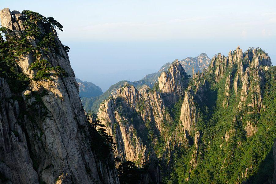 Huang Shan in de provincie Anhui in China (2) van Merijn van der Vliet
