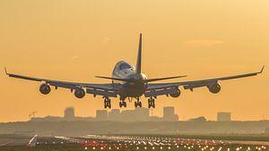 Queen of the skies landing