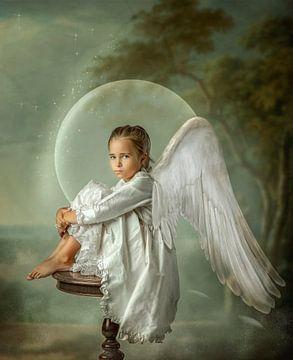 Angel in a bubble van Monika Vanhercke
