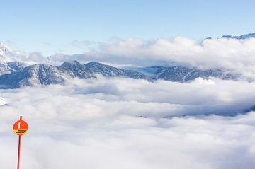 Boven de wolken von Carla Godrie