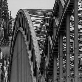 Cologne, Dom et Hohenzollernbrücke, en noir et blanc sur Patrick Verhoef