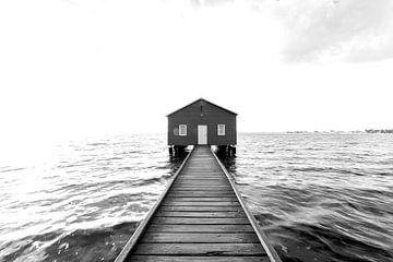 Zwart wit foto van het iconische boot huis in Perth, Australie van Guido Boogert