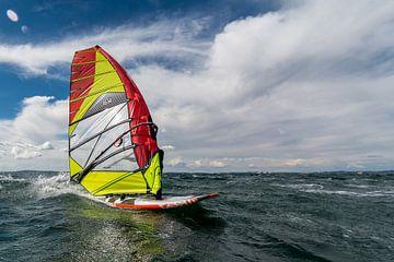 Speeding Windsurfer von Lorenzo Nijholt