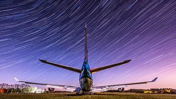 KLM Boeing 747 onder de sterren hemel van