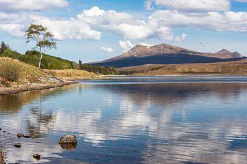 Romantisch loch in de Schotse hooglanden