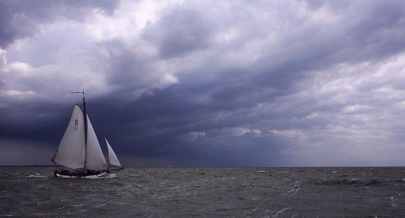 Lemsteraak home before the Storm van Hielke Roelevink