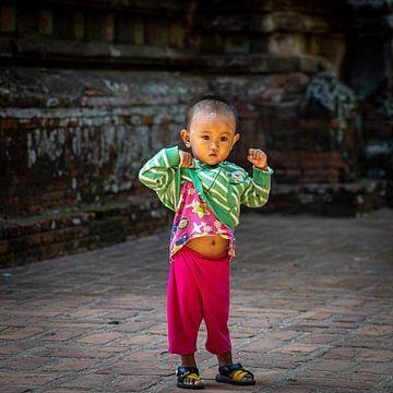 Kind in Myanmar von Aad de Vogel
