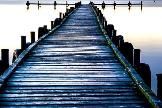 de houten loopbrug