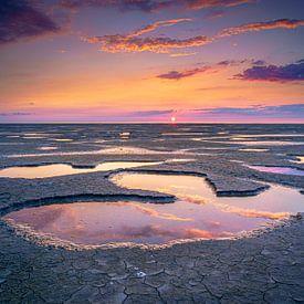 Kust van de Waddenzee bij zonsondergang van Fotografiecor .nl