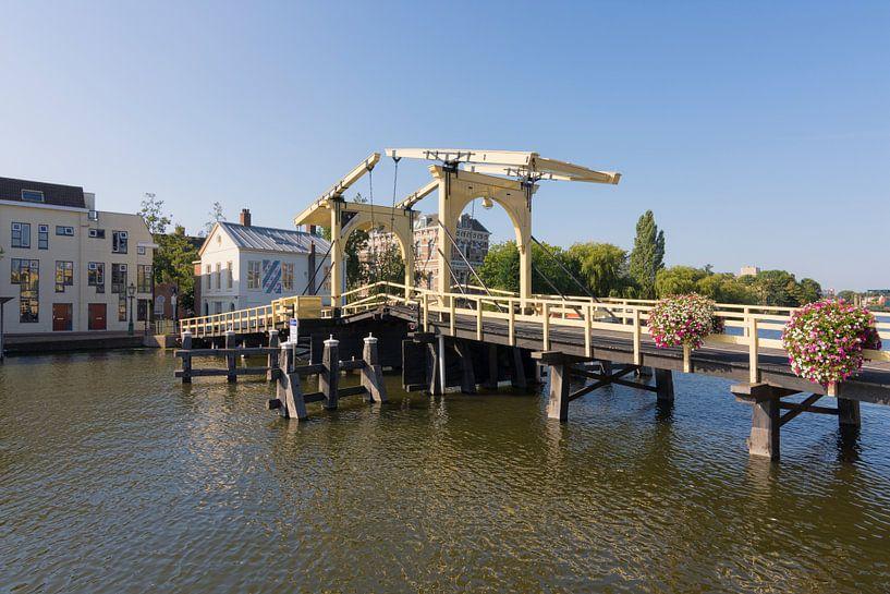 De Rembrandtbrug in Leiden van Charlene van Koesveld