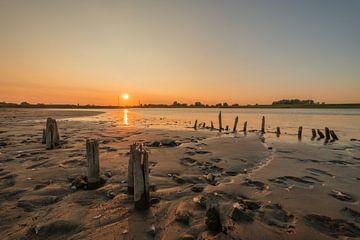 Zonsondergang bij rivier de Lek van Moetwil en van Dijk - Fotografie