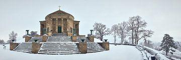 Grabkapelle im Schnee von Keith Wilson Photography