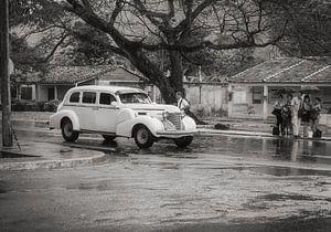 Waiting for a lift in rainy Havanna, Cuba