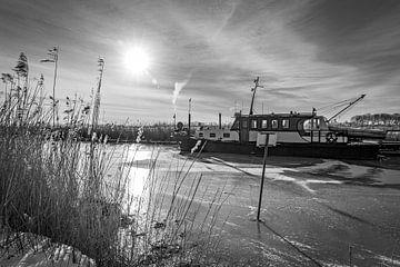 Woonboot in de polder. van Mariëlle Debrichy