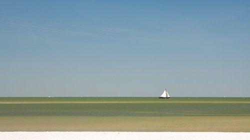Tjalk op IJsselmeer