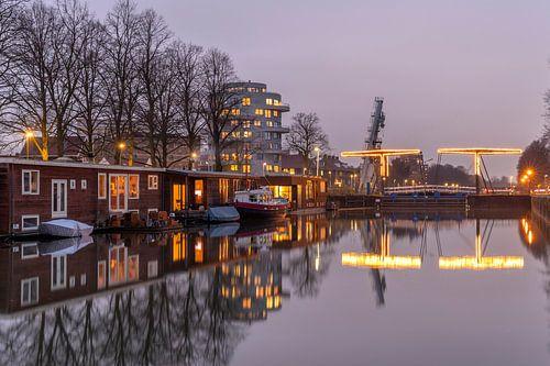 Avondsfeer bij de Utrechtse Muntsluizen en Cereolfabriek