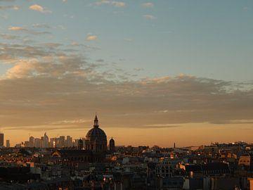 Parijs bij zonsondergang van Julia Wezenaar