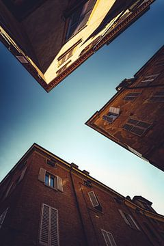 Modena naar boven kijkend 02 van FotoDennis.com