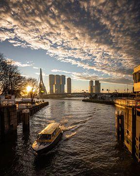 Een nieuwe dag in Rotterdam van Maarten Hooijmeijer
