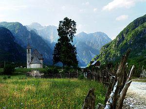 Katholieke kerk in Theth Albanië van Ryan FKJ