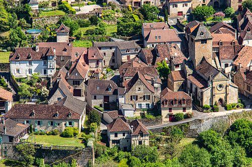 Uitzicht op dorp in Frankrijk van bovenaf