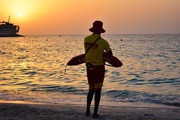 Beach Brigade in Dubai von Milan Flik
