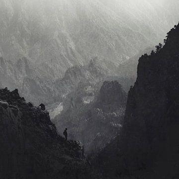 Van een andere tijd - Bergwandelaar La Palma - Canarische Eilanden van Dirk Wüstenhagen