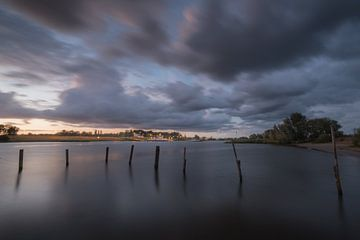 Avondopname pont Wijk bij Duurstede - Rijswijk op rivier de Lek - de Nederrijn van Moetwil en van Dijk - Fotografie