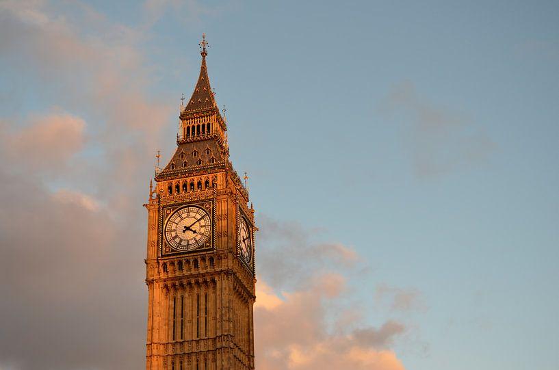 Big Ben in Londen met wat wolken van iPics Photography