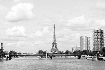 Paris | Eiffelturm | Frankreich | Reisefotografie | Landschaft | Ansichten | Fluss Seine | Schwarz-W von Mirjam Broekhof