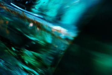 universum van glas - opengebroken energievat van