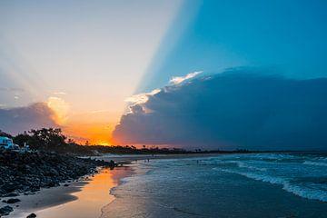 Sonnenuntergang in der Byron Bay. von Ruben Swart