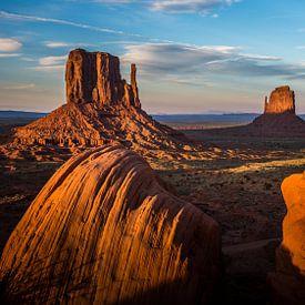 Zonsondergang in Monument Valley van Catstye Cam / Corine van Kapel Photography