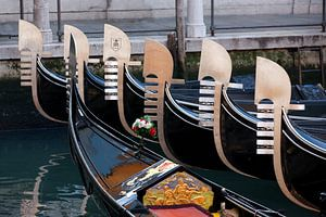 Am Gondelhafen in Venedig