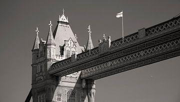 Tower Bridge , London  van Dirk Huijssoon