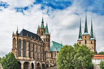 Kathedraal (links) en de Severikirche (rechts) in Erfurt, Duitsland van Gunter Kirsch