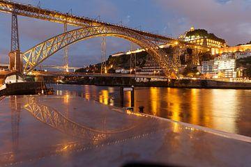 Porto - Ponte Luís I  (Portugal) in de avond van