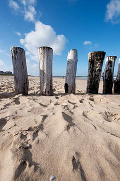 Golfbreker op het Zeeuwse strand van Ivonne Wierink