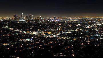 Vue de nuit du centre-ville de Los Angeles sur Easycopters
