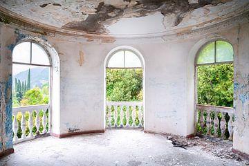Verlassenes, verfallenes Sanatorium. von Roman Robroek