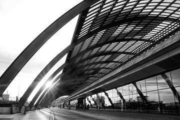 Amsterdam CS bei Sonnenaufgang von Bob Bleeker