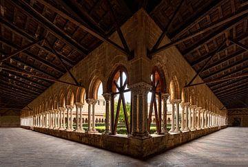 De zuilengang van het klooster van  Monreale Kathedraal, Sicilië, Italië van Mieneke Andeweg-van Rijn